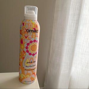 NEW - AMIKA Perk Up Dry Shampoo